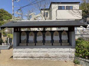 平井墓地(宝塚市)の六地蔵さん
