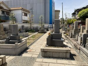 平井南墓地(宝塚市)の墓地の様子