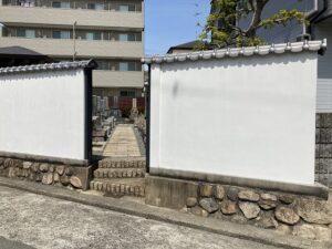 平井南墓地(宝塚市)の入口