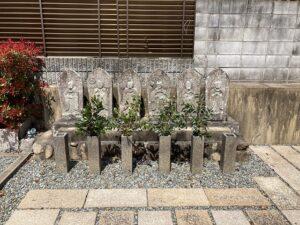 平井南墓地(宝塚市)の六地蔵さん
