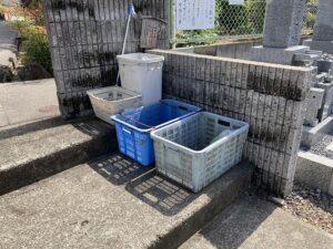 地蔵寺墓地(宝塚市)のゴミ置き場