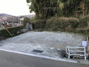 小浜共同墓地(宝塚市)の駐車場