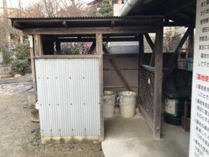 小浜共同墓地(宝塚市)のゴミ置き場