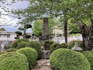 才田墓地(宝塚市)の忠霊塔