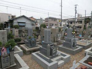 上之島・栗山墓地(尼崎市)