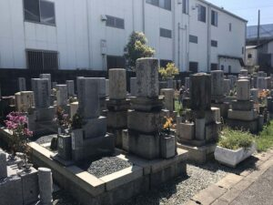 神崎町墓地(尼崎市)