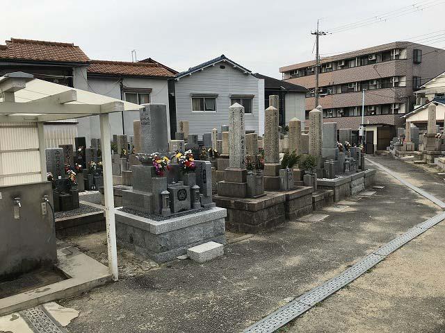 尼崎市にある塚口本町霊園